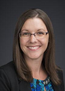 Stacy Tinholt headshot
